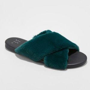 Faux fur crossband slide sandals